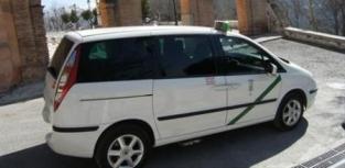 Los asalariados del taxi exigen al Ayuntamiento de Granada que cumpla con su obligación de otorgar al menos 21 licencias para taxis adaptados