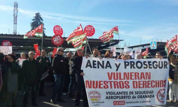 La plantilla de Prosegur, que lleva la seguridad del Aeropuerto de Granada, protesta por la vulneración de sus derechos laborales
