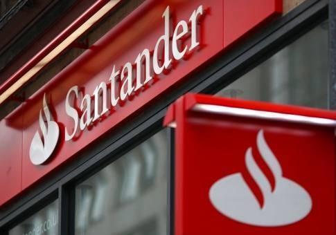 Santander retoma este martes con los sindicatos la negociación sobre el ERE en sus servicios centrales