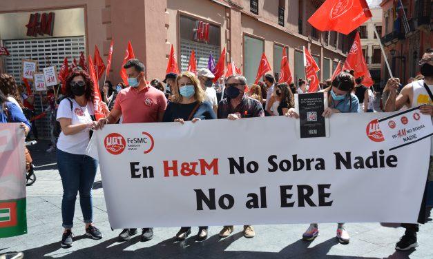 Concentración de trabajadores contra el ERE anunciado por H&M