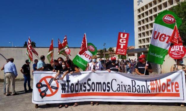 La Dirección de Caixabank insiste en «aplastar» a la plantilla