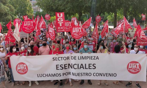 El sector de la limpieza en Córdoba se concentran por un convenio «justo y digno»