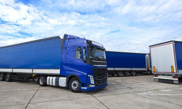 UGT firma el convenio colectivo de transporte de mercancías de Granada, con una subida salarial del 5,5% para los próximos 3 años